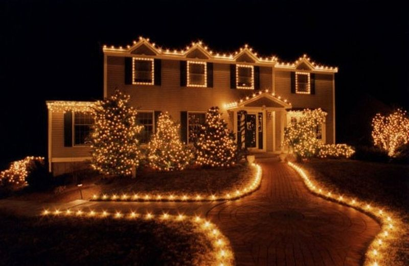 Outdoor Christmas Decorating Ideas For This Year White Christmas Lights Christmas House Lights Outdoor Christmas