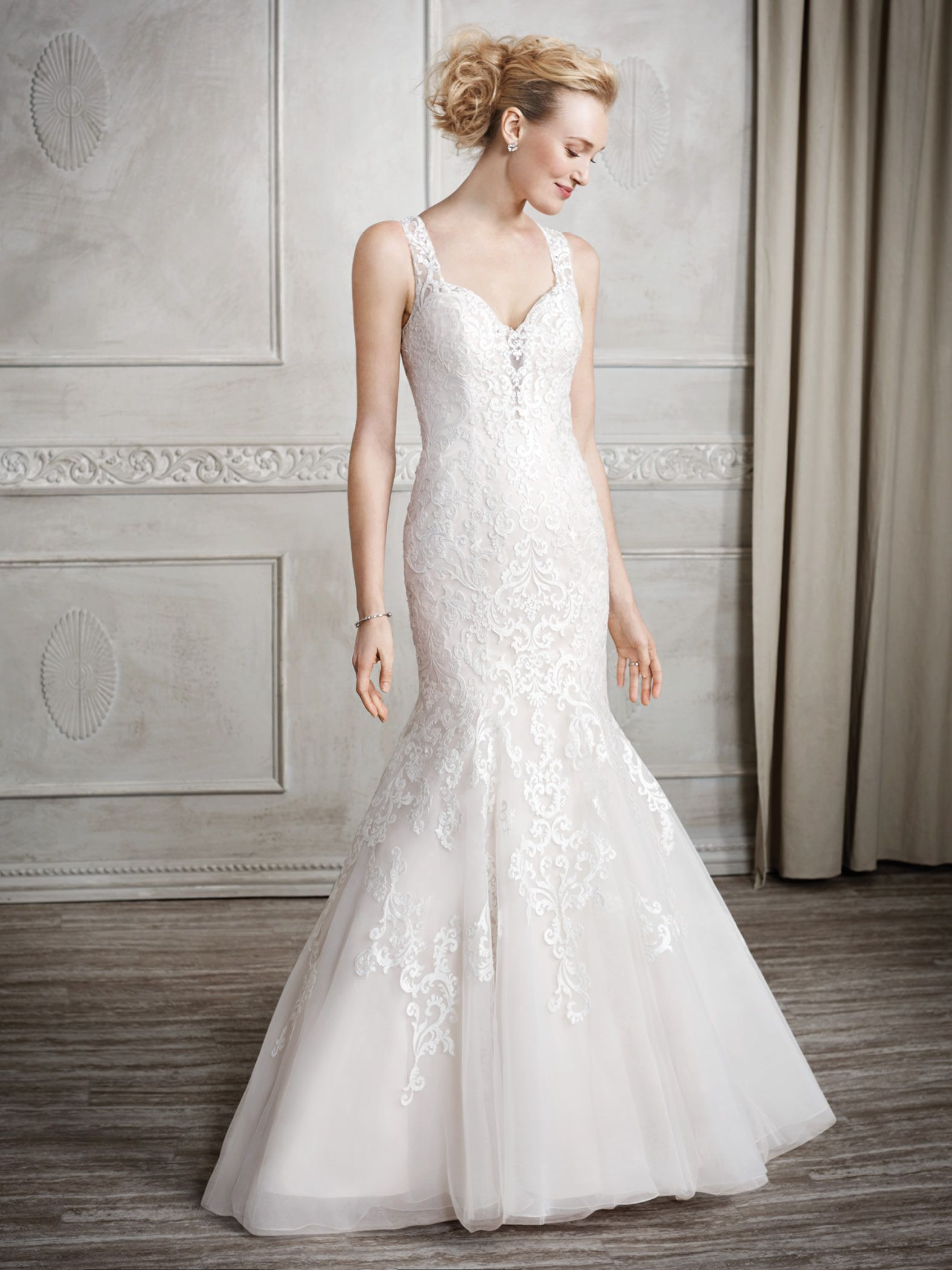 Kenneth Winston Style 1676 | high sheen threading for a detailed ...