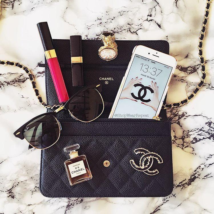 ed81ad252264 shopwearrepeat on Instagram: What's in my Bag | women's hidden world ...