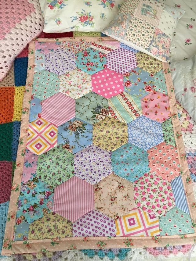 Hexagon patchwork quilt in cotton fabrics,baby,blanket,throw,pram ... : hexagon baby quilt - Adamdwight.com
