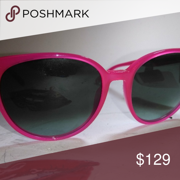 41df09e14c3e CELINE Thin Mary Sunglasses CL 41068 These glasses have a translucent pink  narrow frame and smoke