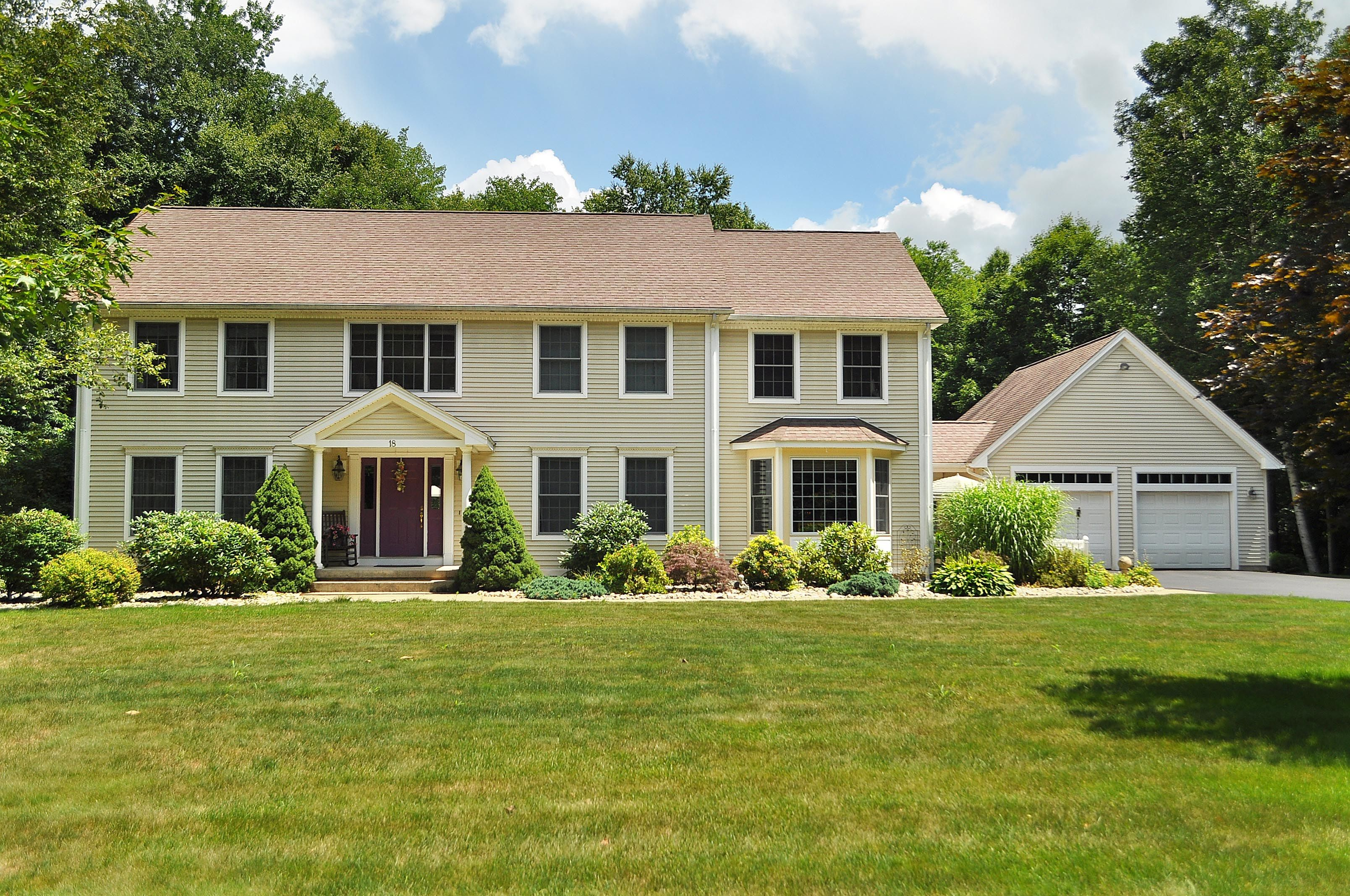 18 Magnolia in Suffield is Under Contract!