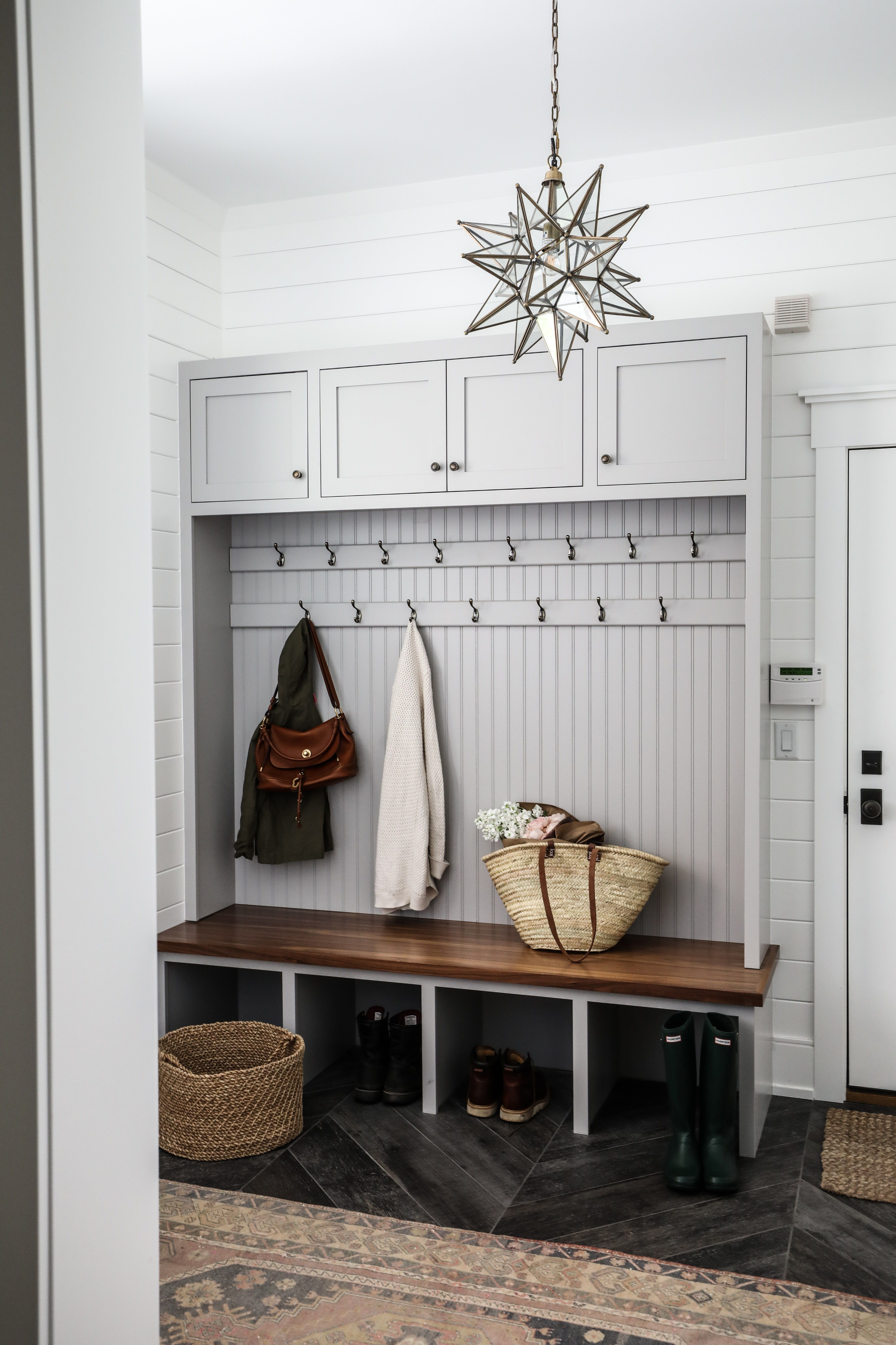 Home Interior Design Game Online: Entry & Mudroom - Park And Oak Interior Design