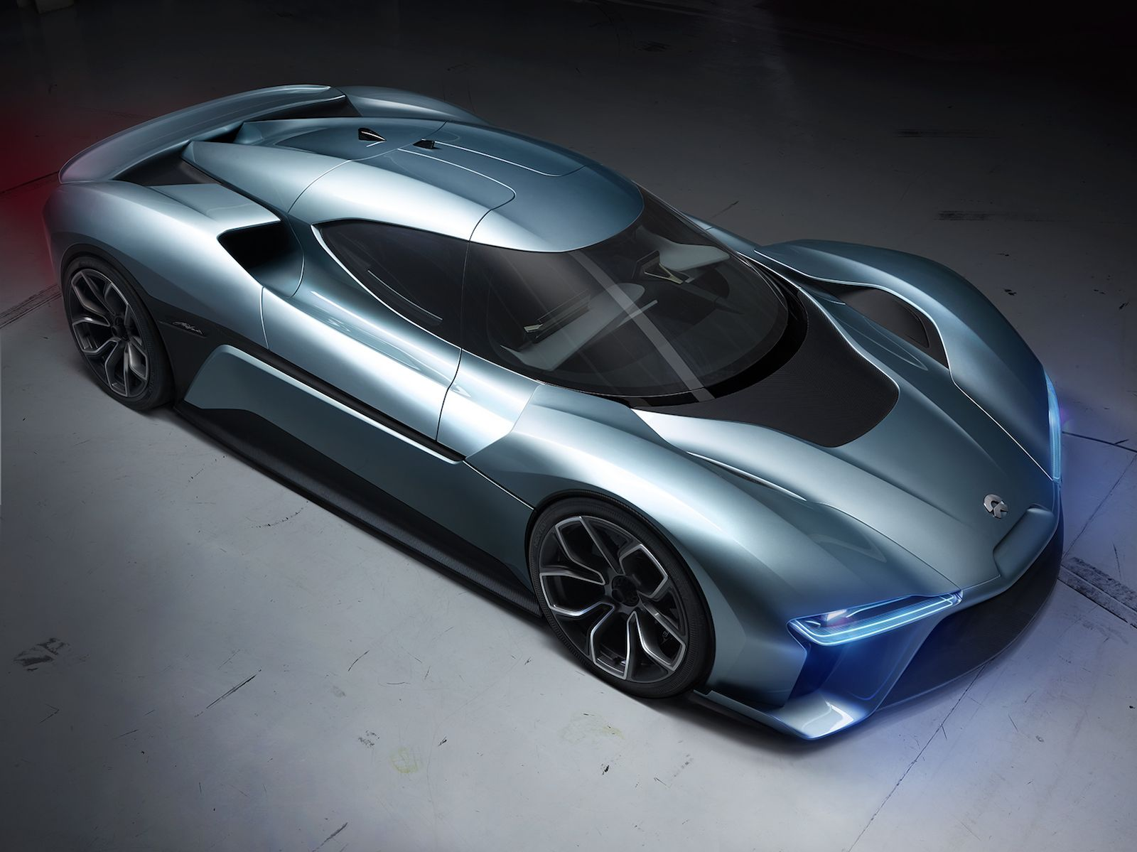 The Nio Ep9 Is The World S Fastest All Electric Supercar Super Cars Hybrid Car Futuristic Cars