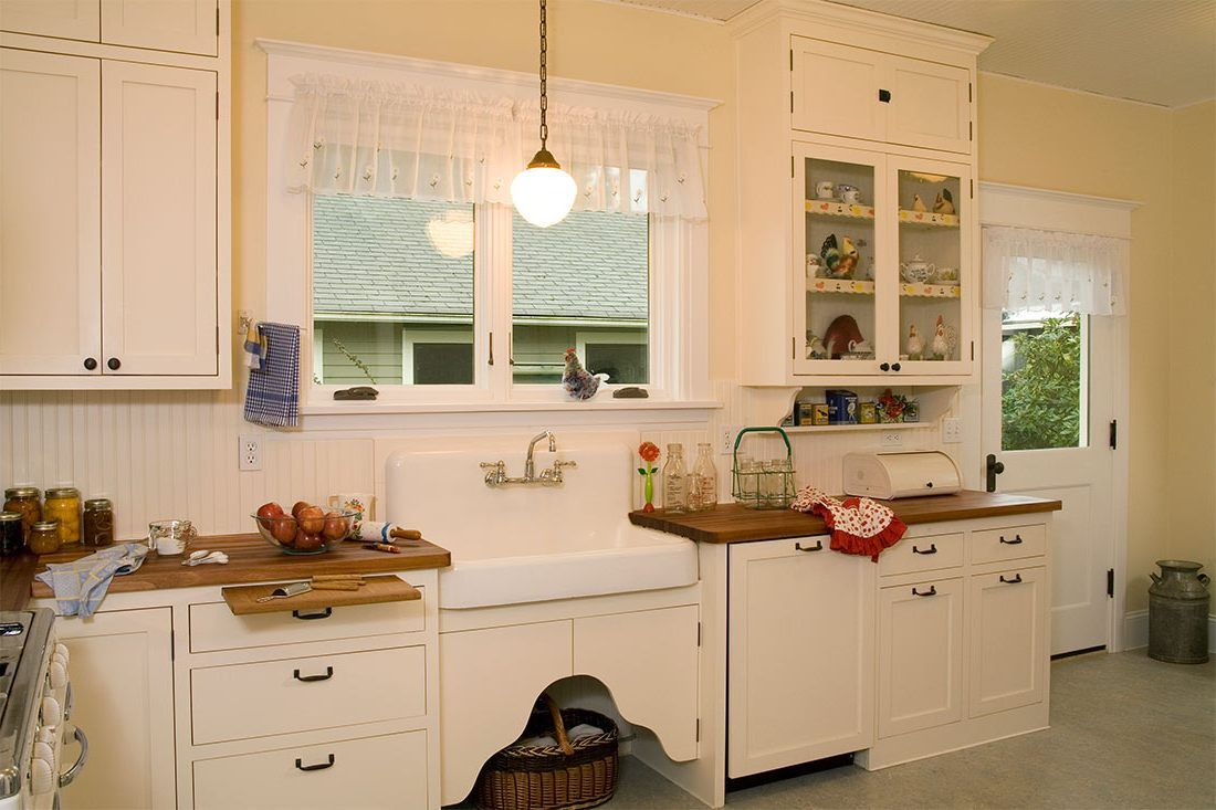 99 Old House Kitchen Remodel Best Interior Wall Paint Check More At Http Www Soarority Traditional Kitchen Design Kitchen Cabinet Styles Beadboard Kitchen