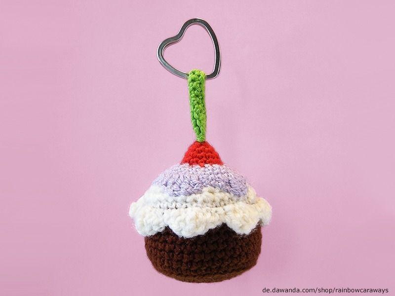 Februarkonfetti Cupcake Schlüsselanhänger Gehäkelt Von Rainbow