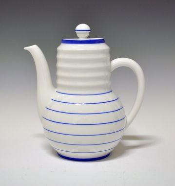Coffee pot by Nora Gulbrandsen for Porsgrund Porselen. Production 1930-35.(price list 1931) Model 1875  Decor 8115