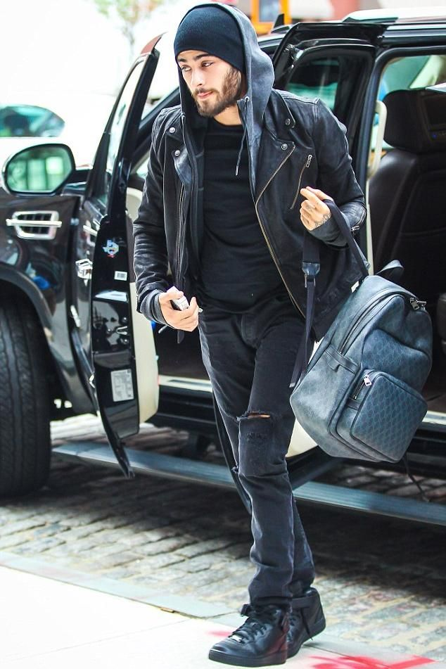 cheap for discount 7f10a 61ece Zayn Malik wearing Gucci Gg Supreme Backpack and Nike Air Force 1 Mid 07 in  Black