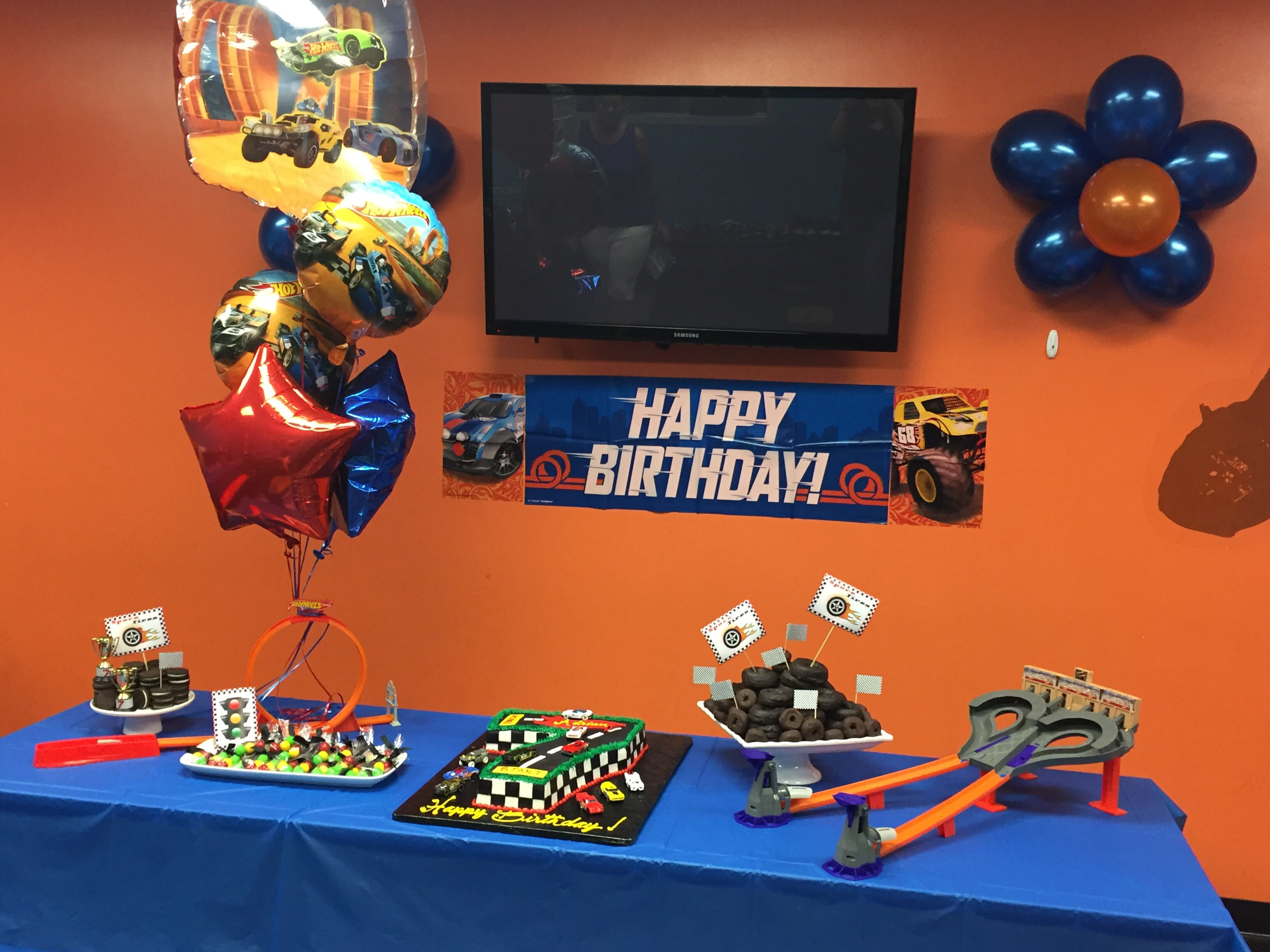 62 best hot wheels party images on pinterest hot wheels party