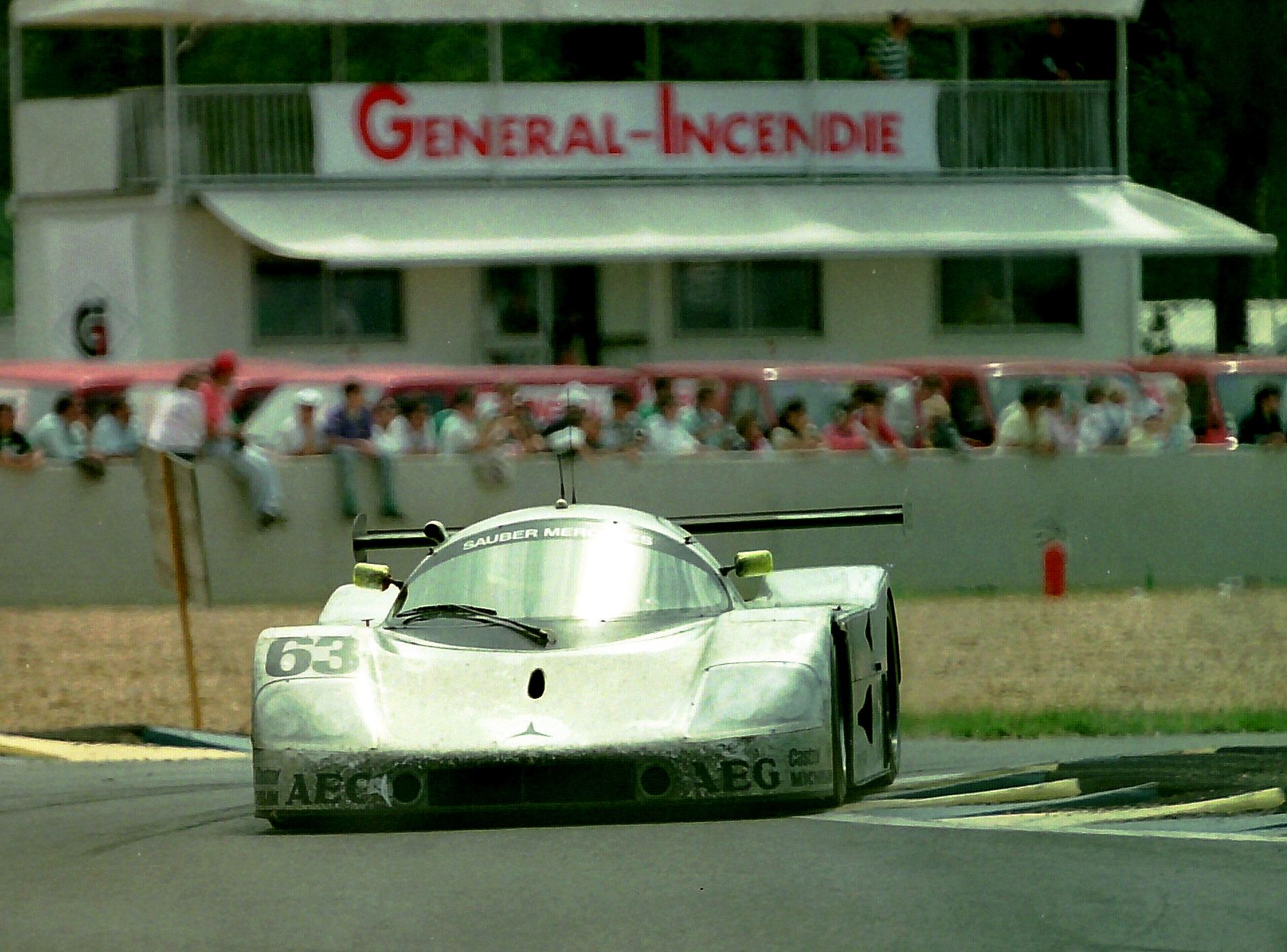 The winning Sauber C9-88 - Jochen Mass, Manuel Reuter & Stanley Dickens at Ford Chicane at the 1989 Le Mans  / Copy. Martin LEE-Flickr