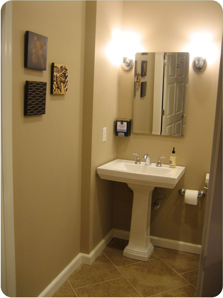 Pedestal sink decor wonderful bathroom pedestal sink with for Bathroom ideas tan