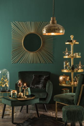 I Chose This Pin For Its Asymmetrical Balance The Green Wall Chairs And Table All Harmonize With Each Othe In 2021 Interieur Woonkamer Huis Interieur Woonkamerkleur