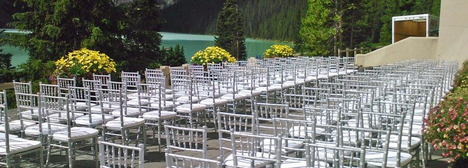 A White Wedding in the Rocky Mountains requires elegant decor and lighting
