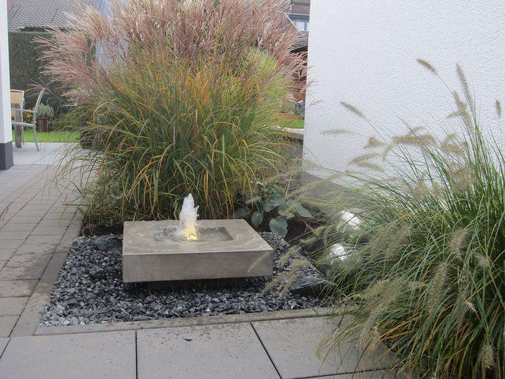 Ingenious Garden Fountain In Modern Concrete Look Gartenbrunnen Gartengestaltung Ideen Vorgarten Modern