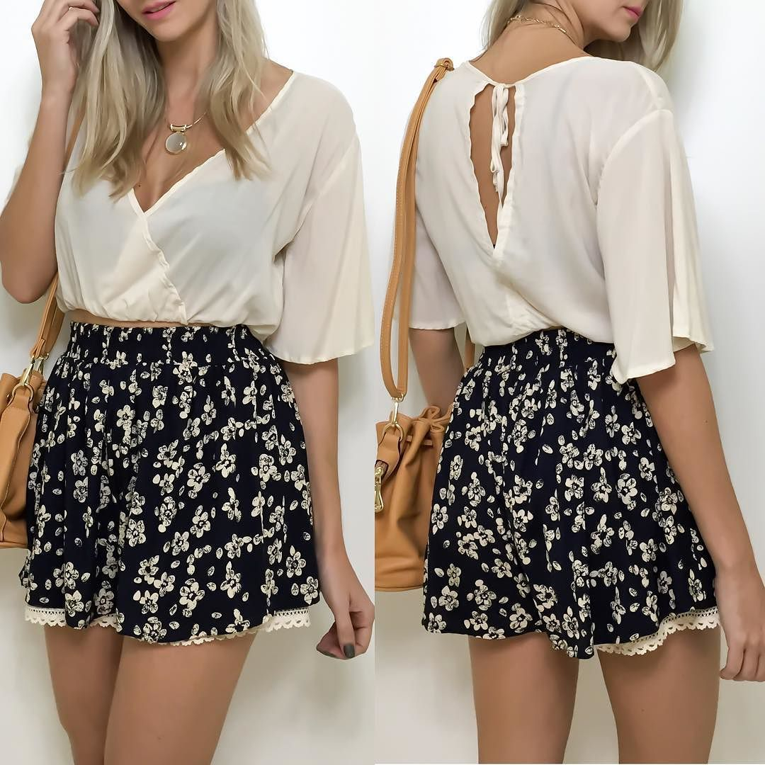 Que tal um look leve para uma segunda-feira?!   Cropped  shorts-saia  bolsa.  Compre pelo site http://ift.tt/PYA077 ou mande um whats 47 99531716.