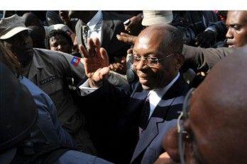 Policía De Haití Vigila A Ex Presidente Aristide