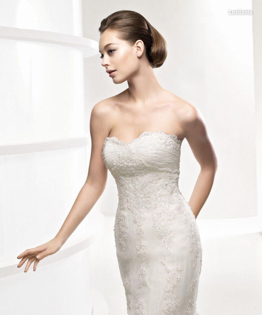 Lustania Pronovias Wedding Dress