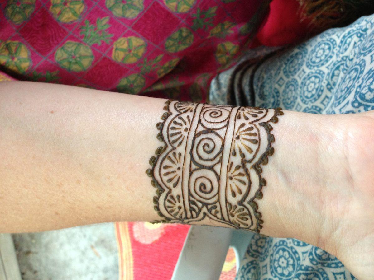 Wrist Cuff Lace Mandala Mehndi