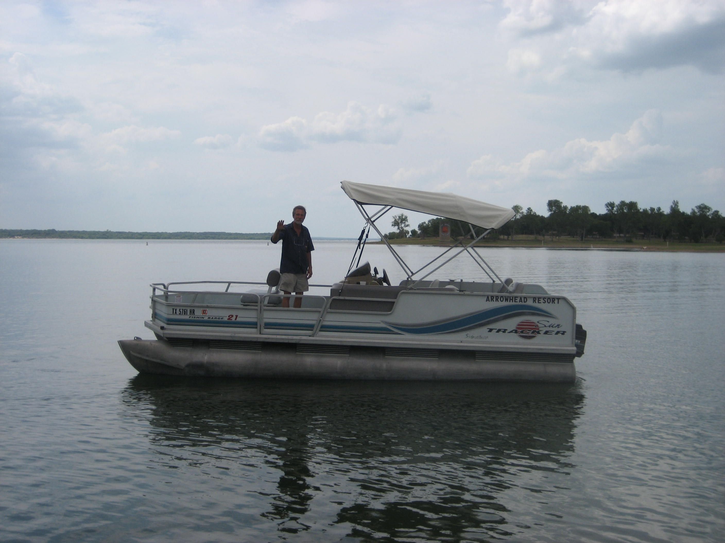 Ponton Boat Rentals You Need To Rent One Of These Pontoon Boats For A Fun Day On The Lake 2019 Texas Outside Boat Rental Resort Cabins Pontoon Boat
