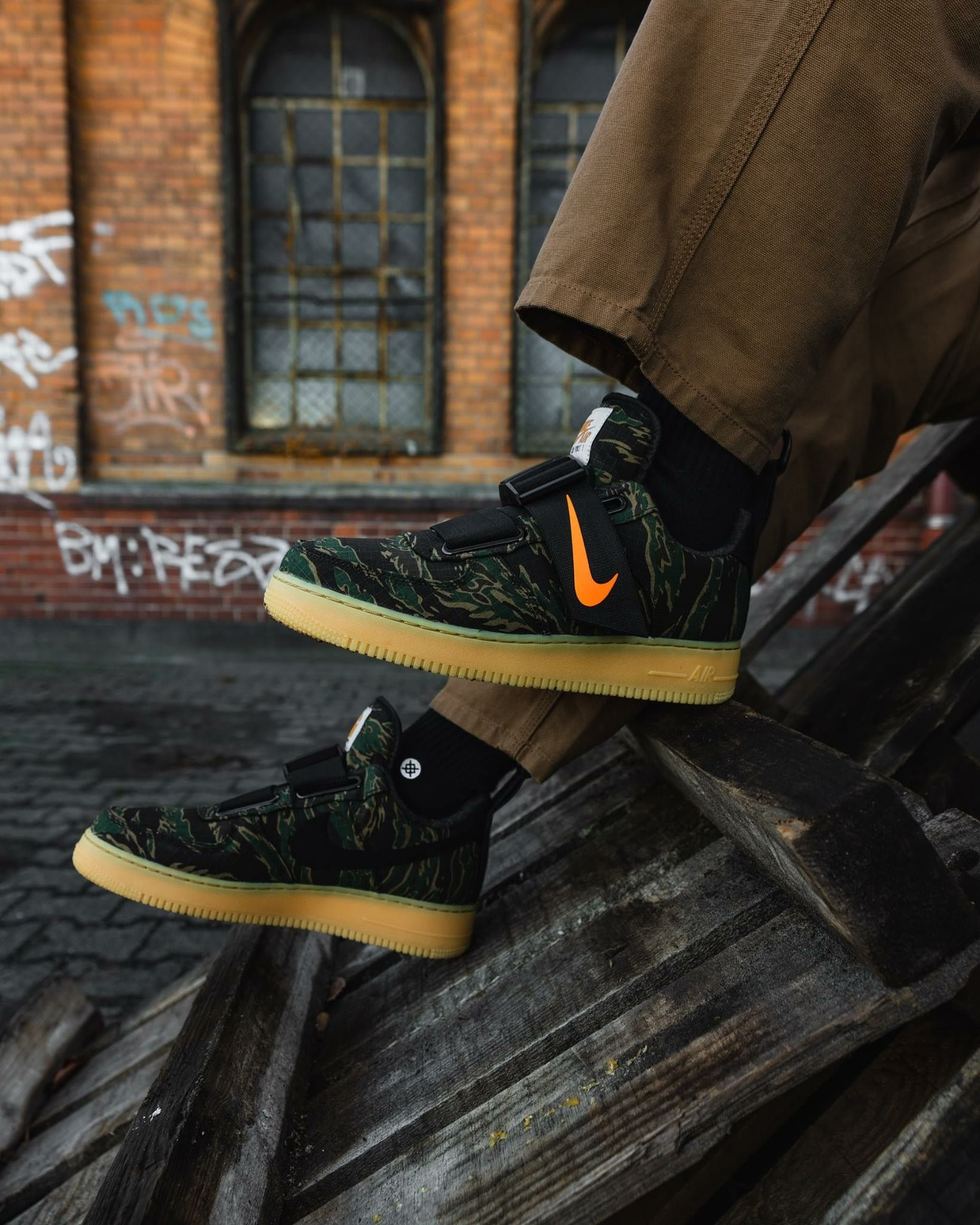 b2fa019a3384 Carhartt x Nike Air Force 1
