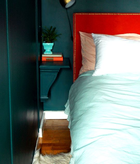 DIY Idea: An Affordable Nightstand Perfect for Small Spaces ...