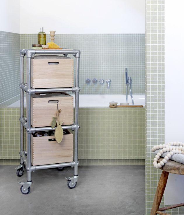 Maak zelf deze badkamer trolley diy pinterest badkamer badkamers en tegels - Badkamer beton wax ...