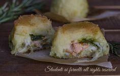 Tortini di patate con salmone e pesto