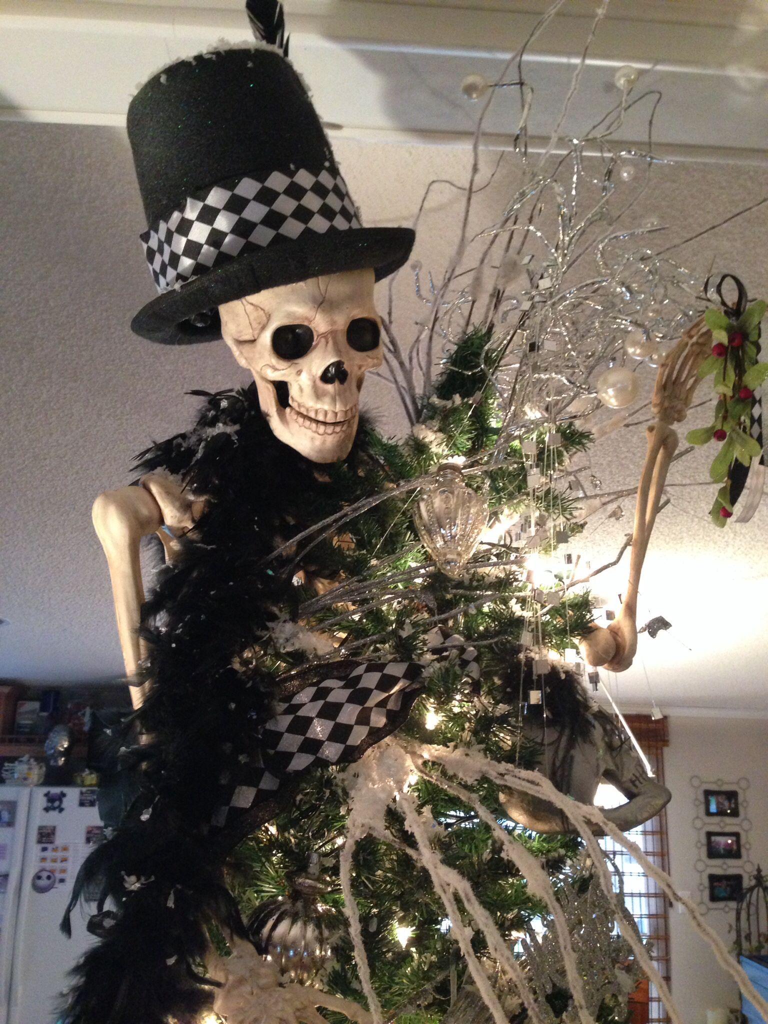 Skull/skeleton Christmas Tree! | Scary christmas, Cheap ...