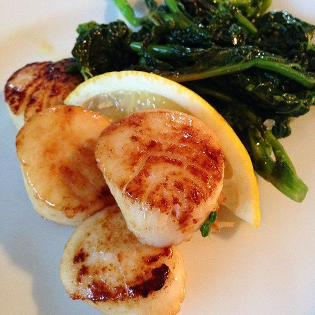 Barnegat Bay scallops NJtoMD for dinner tonight. So fresh! LBI BoulevardClams - #Boulevardclams, #Lbi, #Njtomd