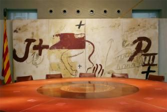Antoni Tàpies  Las cuatro crónicas, 1990   The Four Chronicles   Mixed media on wood   251 x 600 cm   Generalitat de Catalunya Collection, Barcelona   Situated in the Sala Tarradellas (Government Hall), Palau de la Generalitat de Catalunya, Barcelona