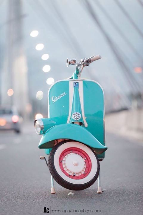 Amazing Colour On This Old Girl Vespa Faro Basso With Images