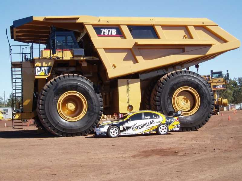 Big Dump Trucks >> World Largest Dump Truck Belaz 75710 Vs World Largest Haul