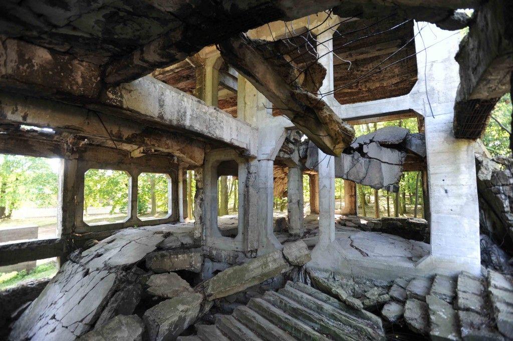 Bunker destruido por los alemanes. Fotografía de Gervasio Sánchez