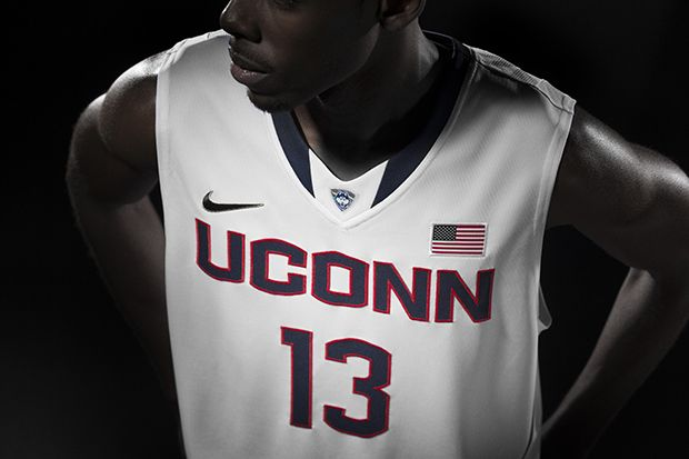 Nike UConn Basketball Top