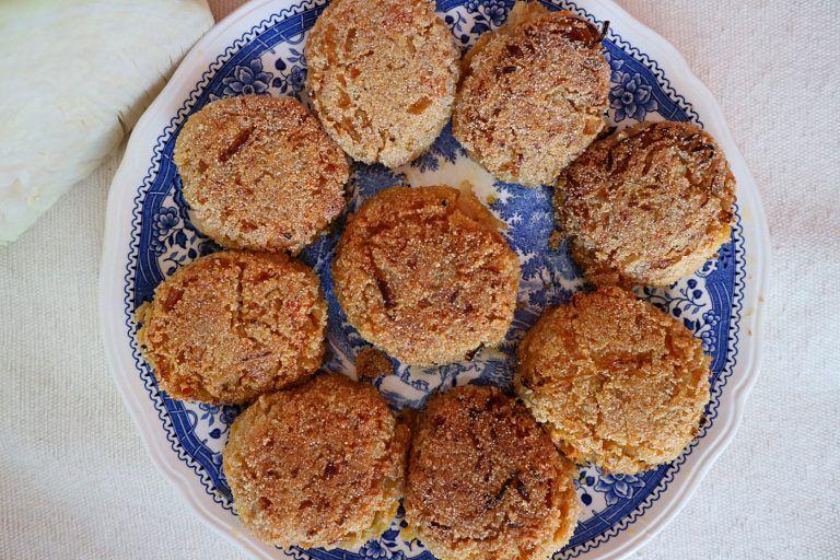 Weisskohl Frikadellen Vegan Einfaches Rezept Mit Wenig Zutaten Einfache Rezepte Wenig Zutaten Rezepte Und Lebensmittel Essen