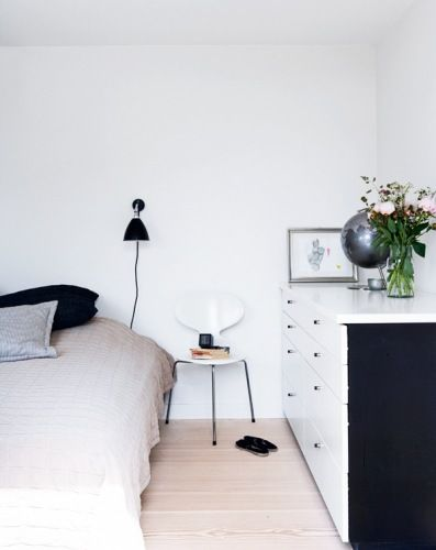 Bedroom / another lovely black and white find via emmas design blog.