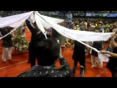 Excellent dance performance In Navratri festival Surat Live 2015 !