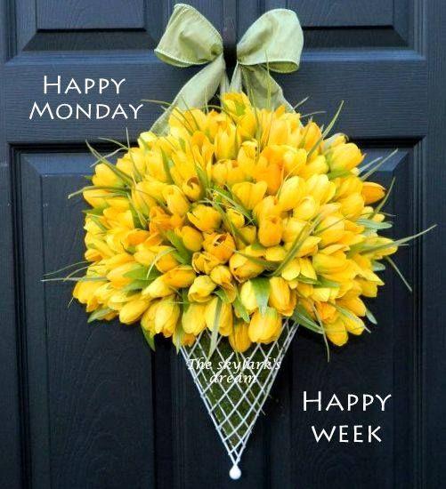 Happy Monday!❤️ | Door decorations