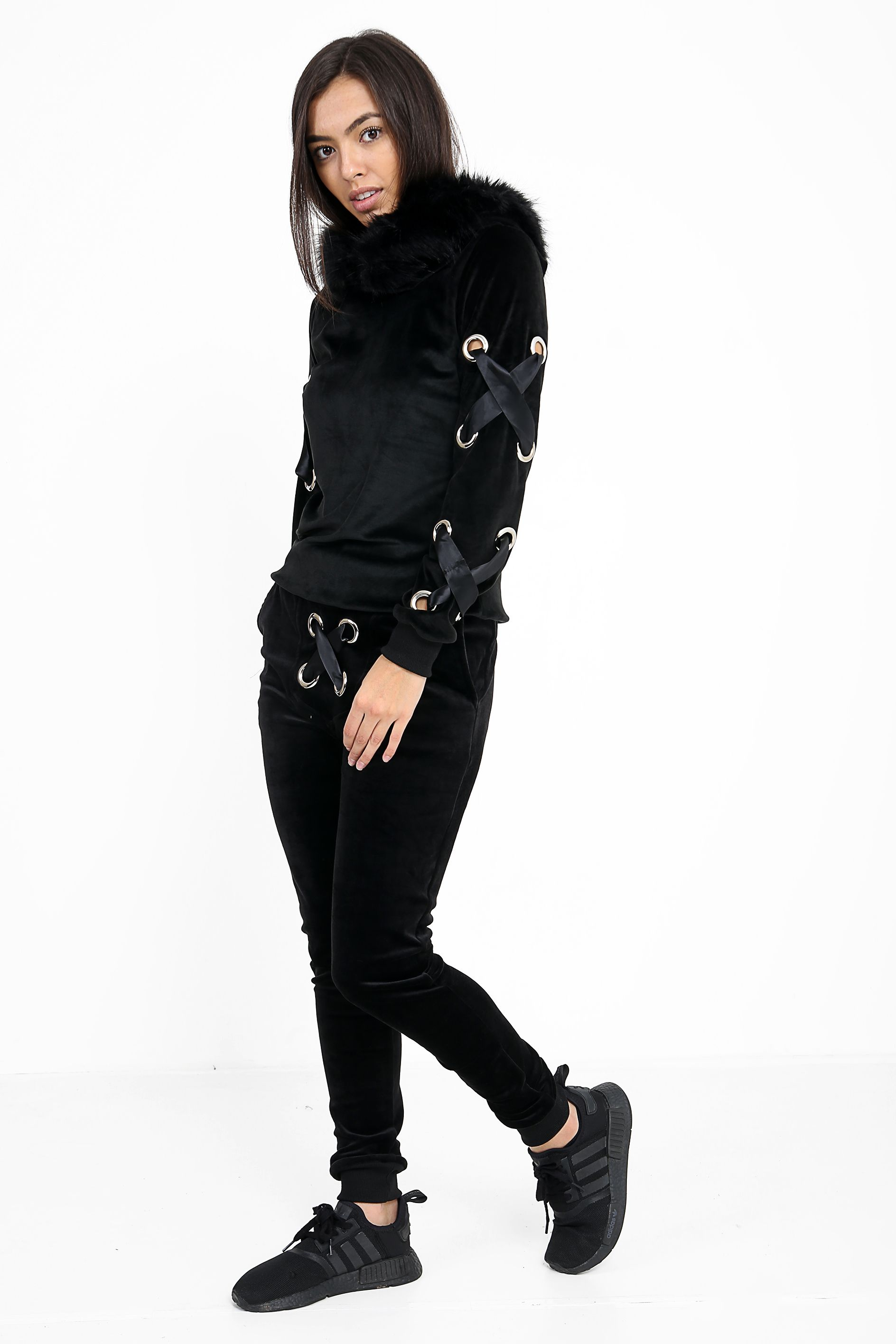 ced85a142ad We LOVE this black velvet loungewear tracksuit! Available at Jadoreyou.com