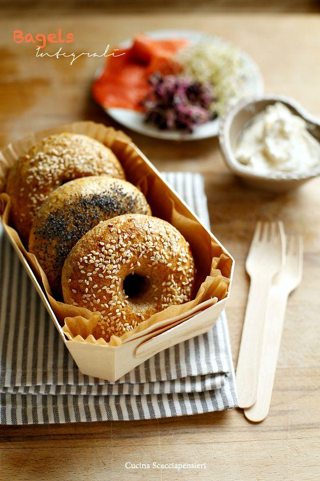 Cucina Scacciapensieri: Bagels integrali con formaggio e salmone