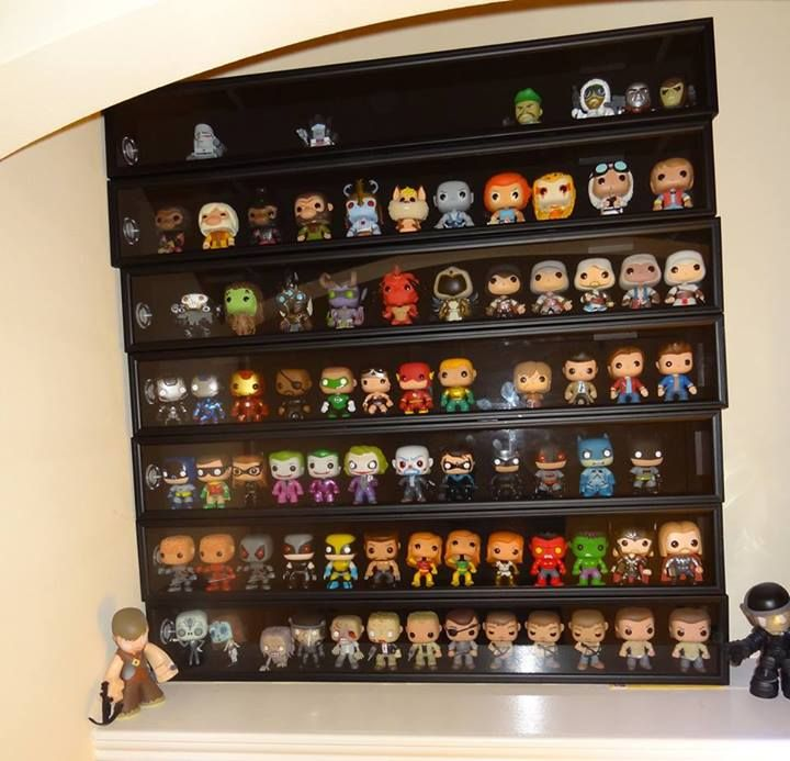 pin de ben shakespeare em funko pinterest prateleiras. Black Bedroom Furniture Sets. Home Design Ideas