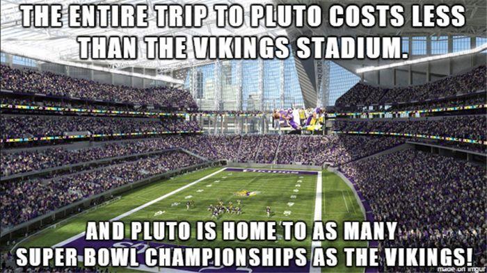 Pluto Vs Vikings Vikings Stadium Pictures Go Pack Go