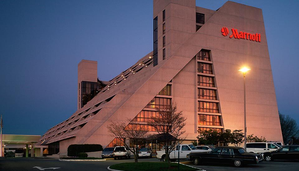 Downtown Marriott In Knoxville Tn One Of S Premier Locations And The Largest Hotel