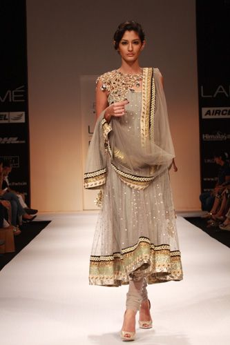 Lakme Fashion Week (Payal Singhal)   In love with the colors.