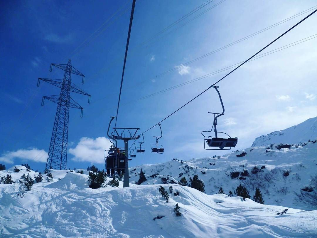 The lifts are beginning to open in a few resorts! The fun