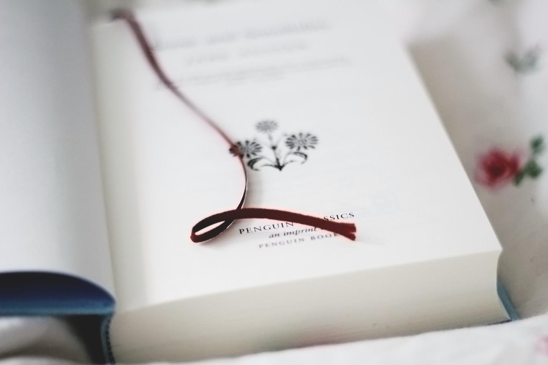 """Paperback Castles: Tema-tirsdag #74: """"Kan en bog virkelig forandre dig?"""""""