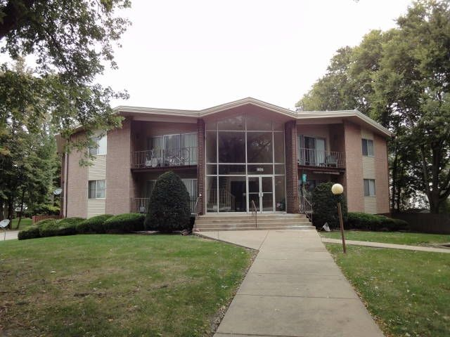 Bloomington, IL Apartment for Rent Farm house for rent