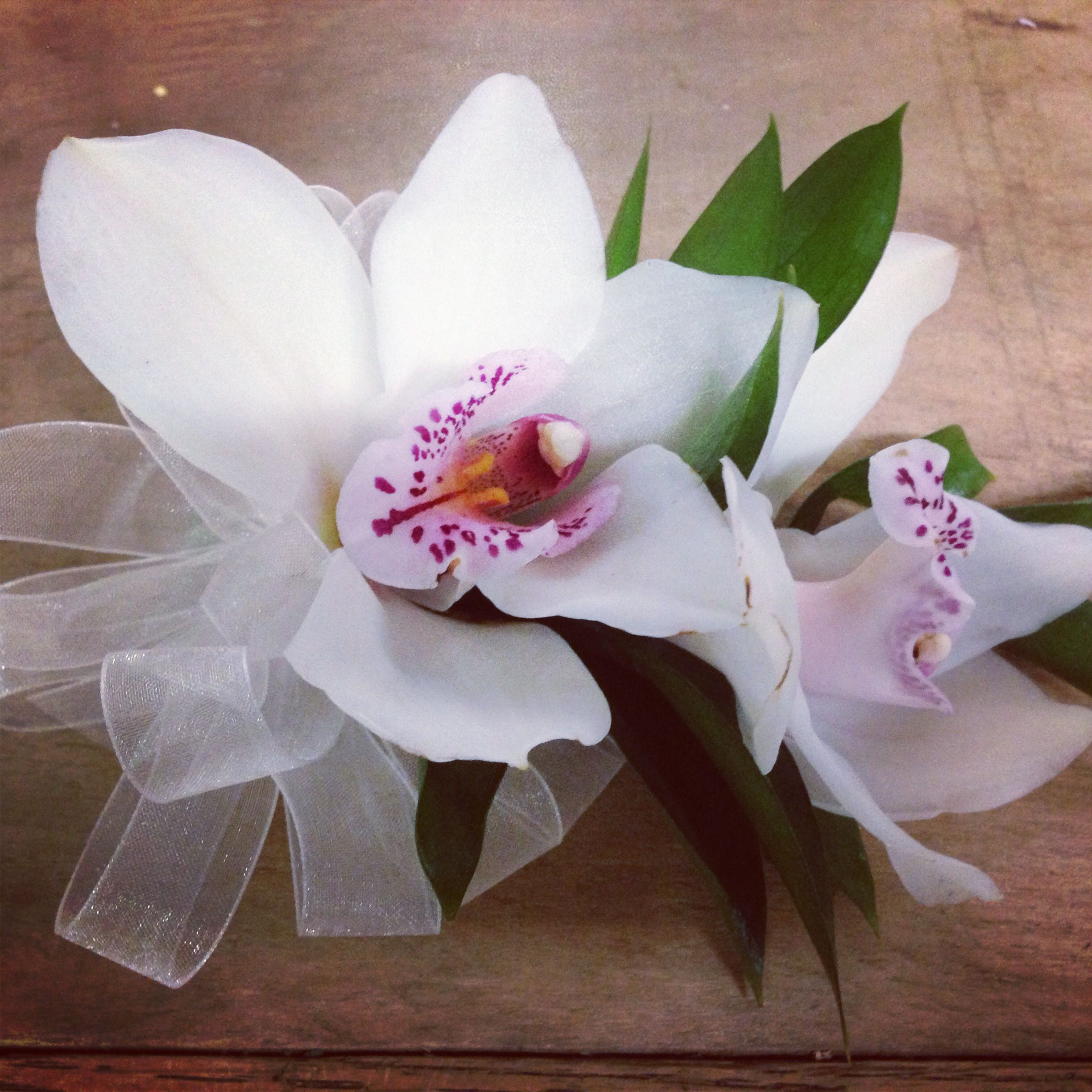White cymbidium orchid corsage | Flowers to Wear ...