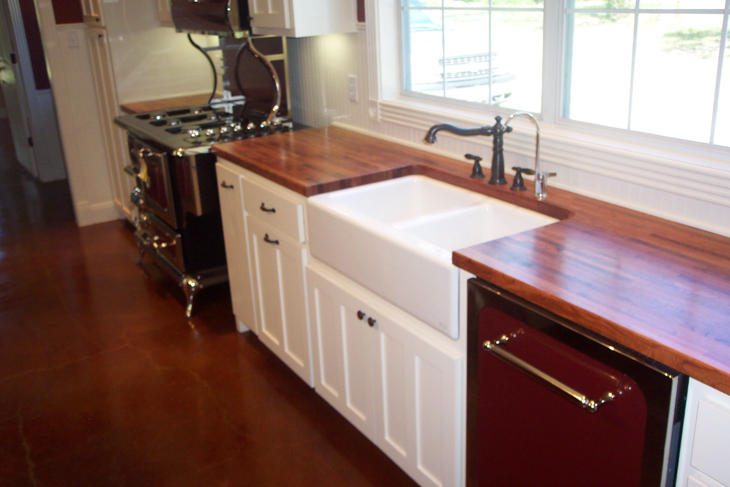 Mesquite Counter Tops Farmer S Sink And An Awesome Stove Great Kitchen Farmers Sink Countertops Kitchen
