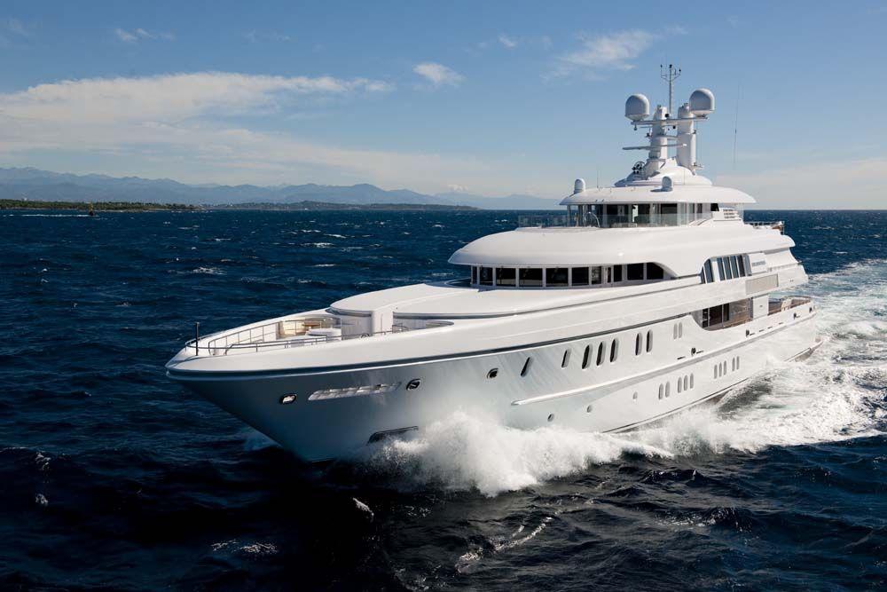 Solemates Ipad Superyacht Charter Photos Luxist In 2020 Schepen Yacht Jachten